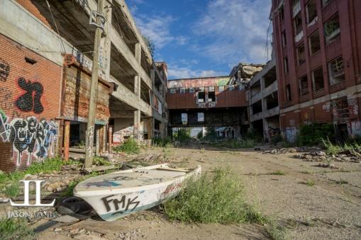Abandoned Packard Motor Plant Detroit-2